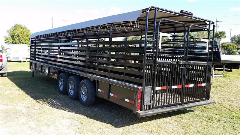 Delco Gooseneck Livestock 32x76 Ls005087